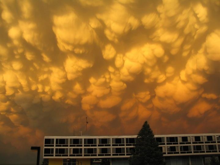mammatus-clouds-1022812