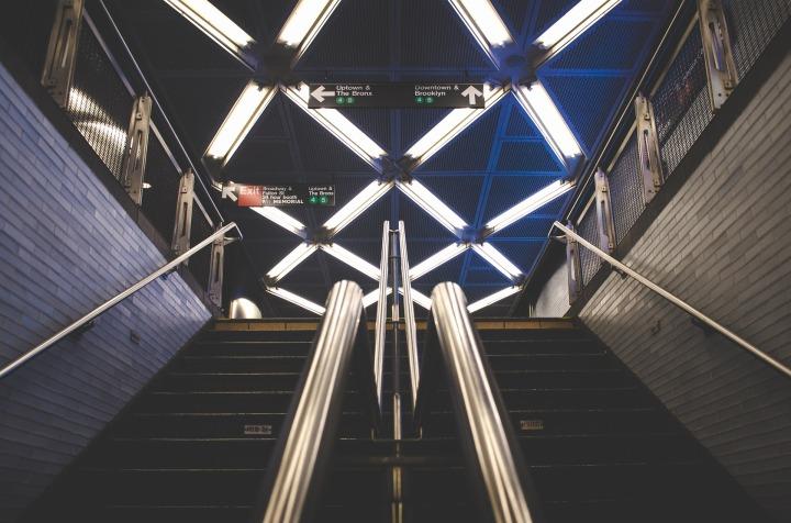 subway-863422_1920