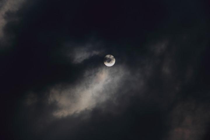 moon-1749422_1920