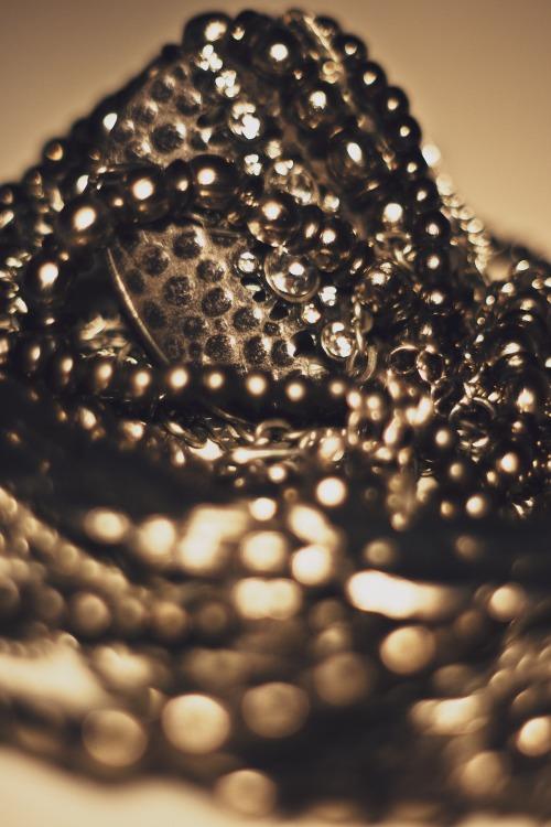 jewellery-792096_1920