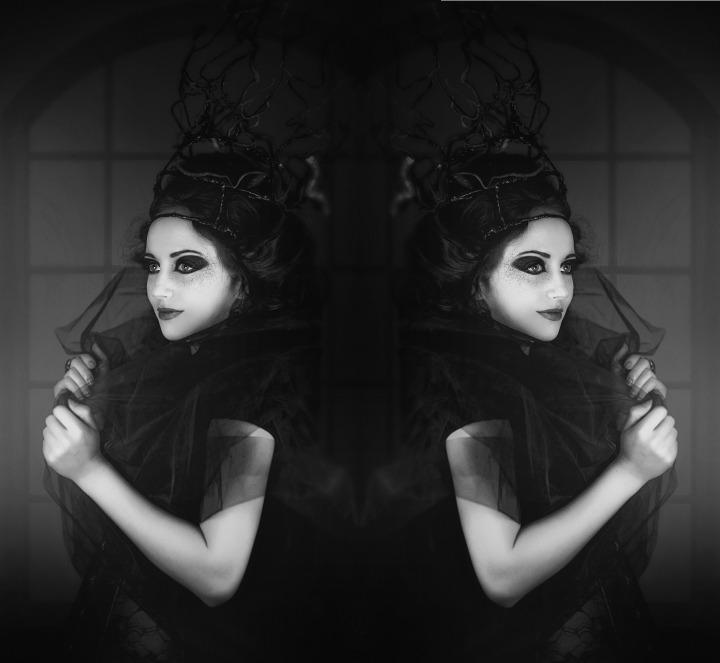black-white-2338906_1920
