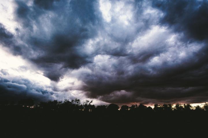 clouds-1246602_1920