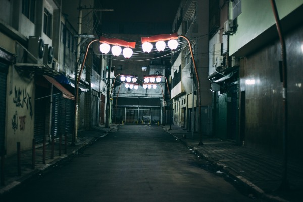 alley-2616862_1920