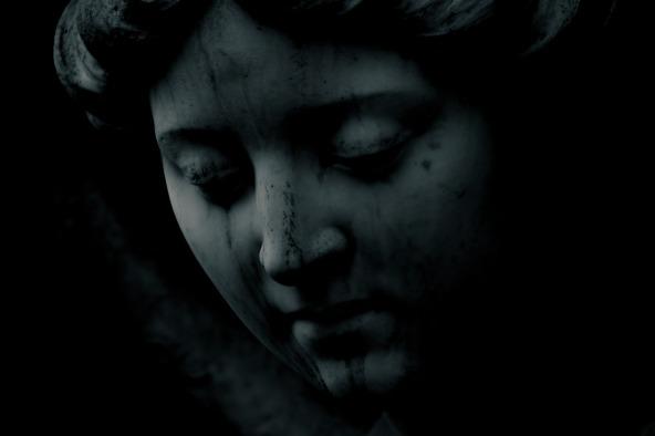 statue-2140404_1920