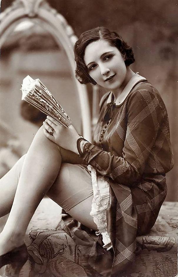 La-beaute-des-femmes-du-debut-du-20eme-siecle-en-cartes-postales-vintage-15